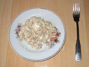 Салат из капусты с печенью