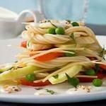 Салат со спагетти с бананами