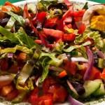 Салат из маринованных огурцов со свеклой