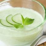 Холодный суп с огурцами и зеленью