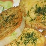 Шницель из капусты со сметанным соусом