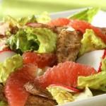 Салат из говядины и грейпфрутов