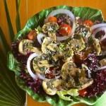 Салат со свежемаринованными грибами